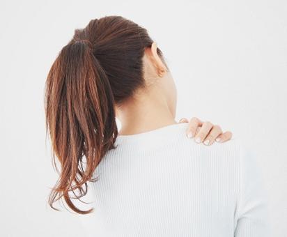 『首の痛み』に効果的なツボとは?